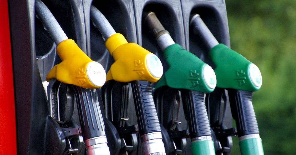 Независимые АЗС предупредили о резком повышении цен на бензин.