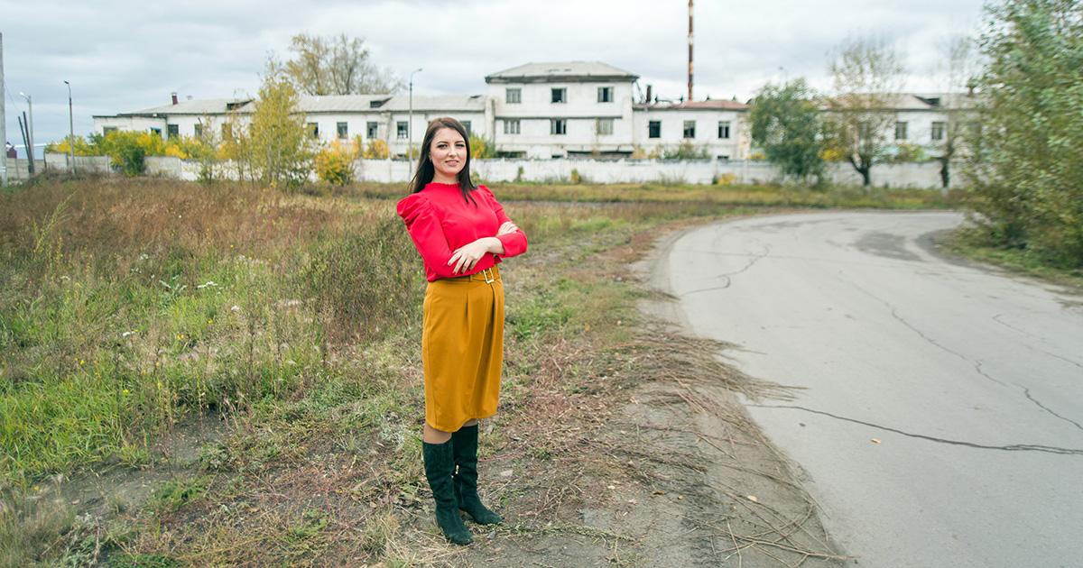 Бизнес на игле: зачем предпринимательница восстанавливает Тельминскую швейную фабрику