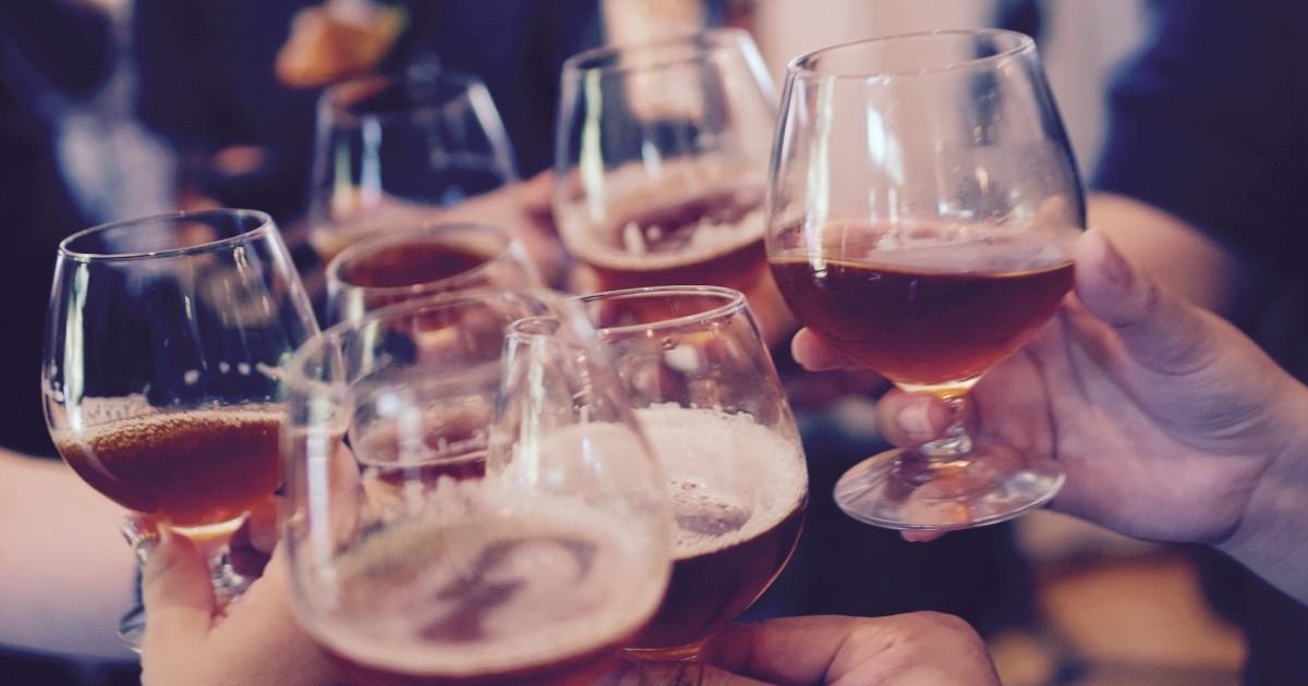 Иркутским магазинам запретят продавать алкоголь в День России.