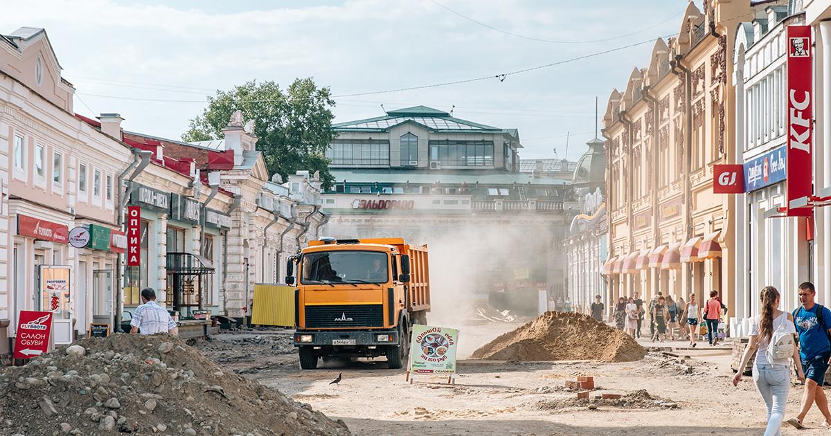 «Мыбольше благоустраиваем город для туристов»: что жители Иркутска думают о ремонте на улицах