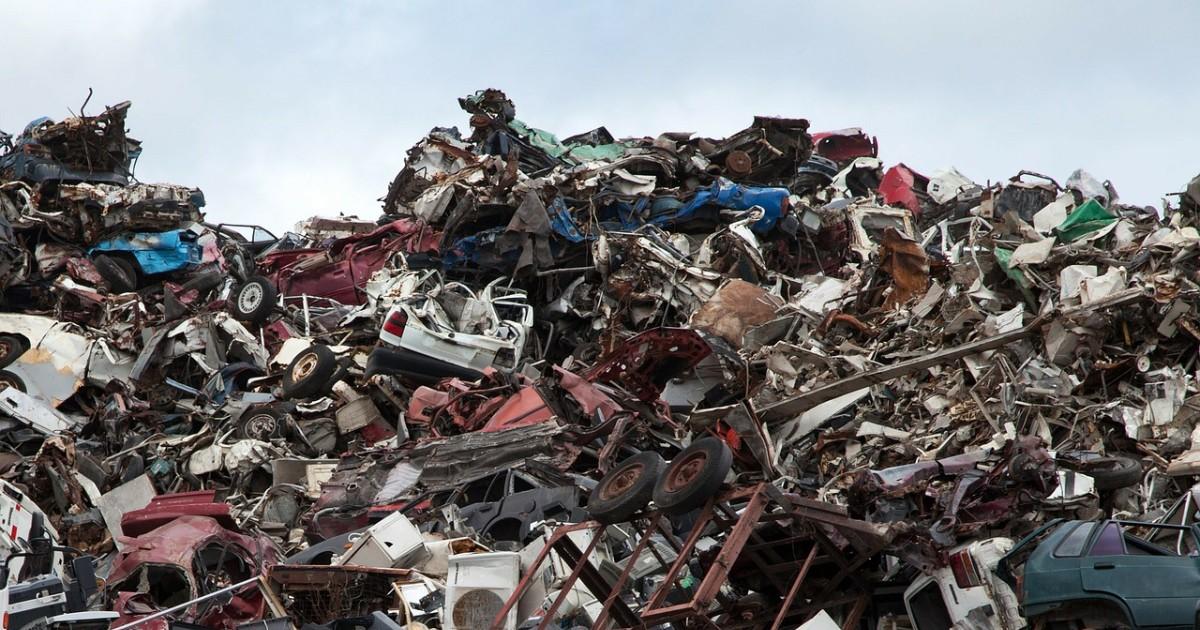 Сергей Иванов предложил повысить тарифы за уборку мусора для тех, кто не сортирует отходы