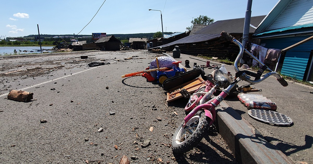 Власти Иркутской области объявили 12 июля днем траура по погибшим из-за паводка
