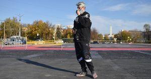 Покрас Лампас восстановил «Супрематический крест» в Екатеринбурге. Теперь в граффити нет очертаний креста - Верблюд в огне