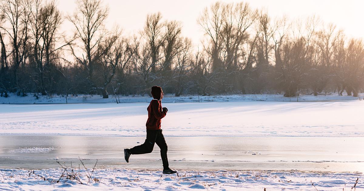 «Принять холод»: иркутяне, которые бегают зимой, о своих тренировках