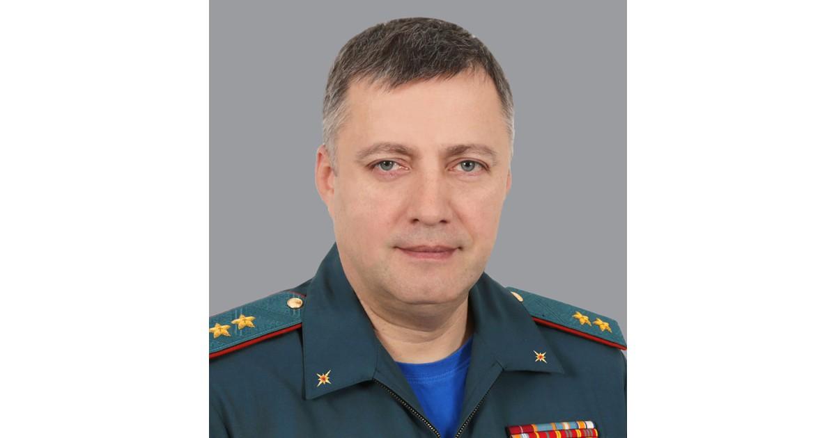 Путин назначил новым главой Иркутской области замглавы МЧС Игоря Кобзева - Верблюд в огне