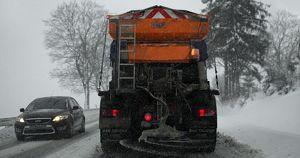 Власти Ангарска отказались от использования соли на дорогах