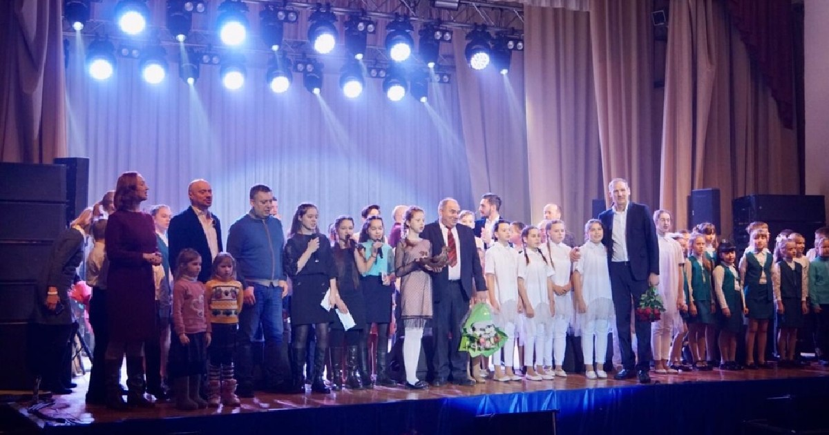 Хор Турецкого дал благотворительный концерт для пострадавших от наводнения в Тулуне