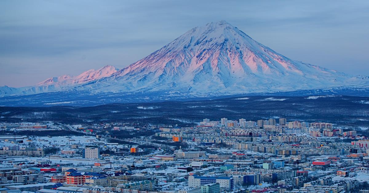 «Вышла из самолета и сделала селфи с вулканом»: иркутяне о переезде на Дальний Восток