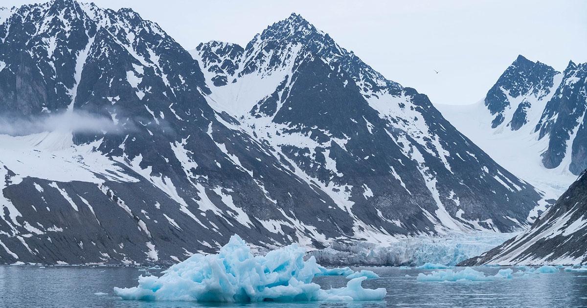 Иркутский гид попал под лавину на Шпицбергене. Двое туристов из его группы погибли