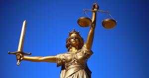 В Иркутске отменили оправдательный приговор следователю Лысых. Его обвиняли в развале дела о пытках многодетной матери