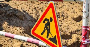 Директор «Иркутскавтодора» уволился. Предприятие укладывало дороги в лужи - Верблюд в огне