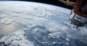 Космонавт сфотографировал Байкал во время рассвета - Верблюд в огне