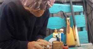 Фото: удивительные поделки мастера резьбы по дереву из Приангарья - Верблюд в огне