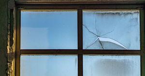В Тулуне семья выходит из дома через окно из-за затопления. Что говорит об этом мэр?