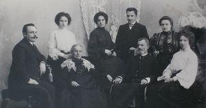 Ткани, магазины, революция: начало и конец иркутского купеческого рода Рафильзонов
