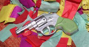 В Приангарье дворник детсада с игрушечным пистолетом ограбил школьного повара