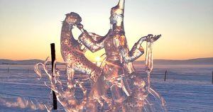 На Ольхоне пройдет конкурс ледяных скульптур и состязание по разбиванию кости - Верблюд в огне