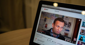 Госдума приняла закон о блокировке сайтов за цензуру российских СМИ