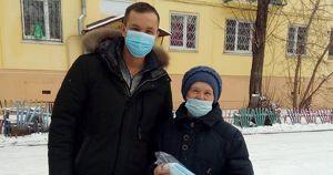 «Единая Россия» передала пенсионерке из Приангарья 50 масок. А затем скрыла данные об их количестве