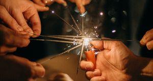 СБПЧ, OQJAV и Uma2rman выступят на новогоднем онлайн-концерте в троллейбусе - Верблюд в огне