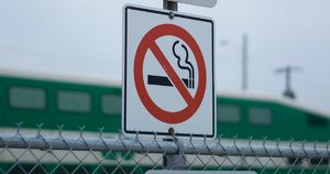 МЧС и Минздрав готовят новое требование к сигаретам - Верблюд в огне