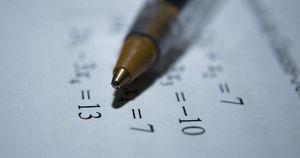 Власти отменили ЕГЭ по математике базового уровня в 2021 году