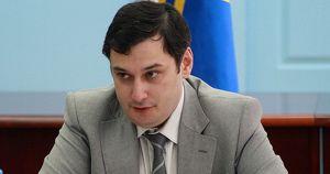Депутат Госдумы потребовал наказать силовика, ударившего женщину на митинге. Спустя сутки он передумал