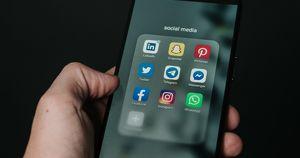 Роскомнадзор оштрафует соцсети за призывы подростков идти на митинг