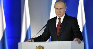 В соцсетях опубликовали видео в поддержку Путина. СМИ утверждают, что участников ролика собрали под предлогом борьбы с ковидом