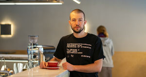 Сооснователь «Кооператива Чёрный» Артем Темиров: «Сейчас кофе — это доступная роскошь, а раньше — просто какая-то жидкость» - Верблюд в огне