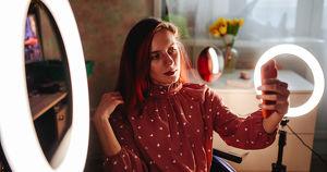 «Коляска никогда не была для меня якорем»: как тиктокерша из Иркутска ломает стереотипы об инвалидности
