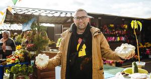 Фото: кто и чем торгует на осенней ярмарке в Иркутске - Верблюд в огне