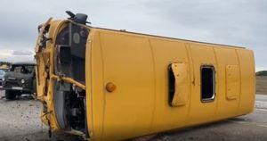 В Иркутской области школьный автобус с 18 детьми попал в ДТП