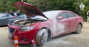 Иркутянин пытался сжечь машину с девочкой внутри